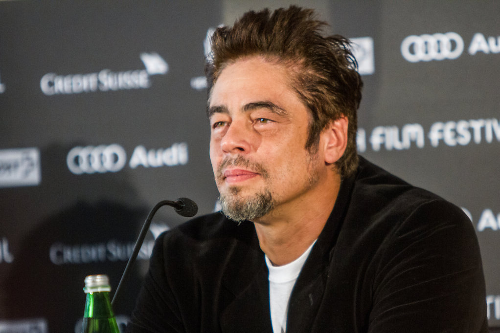 benicio del toro during press conference in zuerich film festival